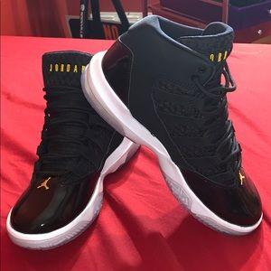 Jordan Max Aura Shoes Black/Hyper Royal/White
